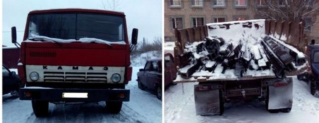 Террористы КамАЗами вывозят рельсы Донецкой железной дороги