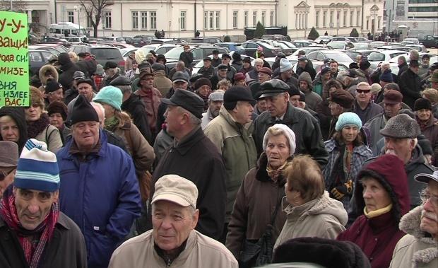 Под Воронежем чиновники, празднуя Рождество, утопили в фекалиях ветерана войны