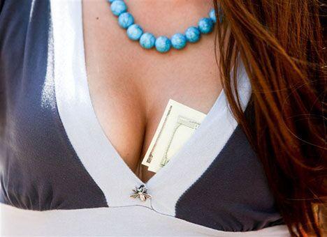 В РФ порно с учительницей разослали ее коллегам и ученикам