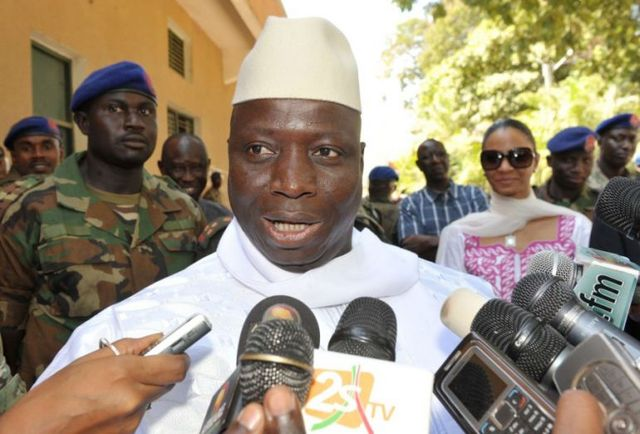 Экс-президент Гамбии приземлился в Москве с казной своей страны