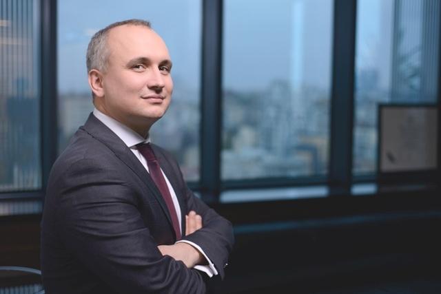 Андрей Фаворов под прицелом, экс-менеджер Ахметова неумело уклоняется от уплаты налогов