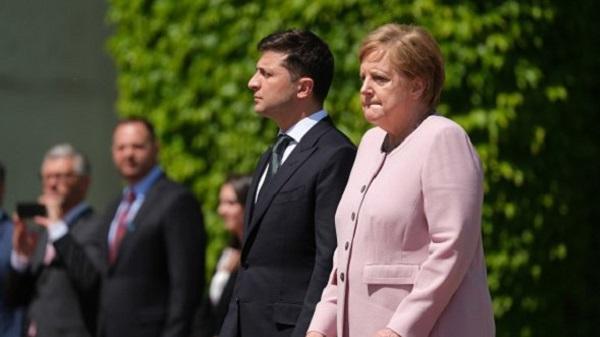 Меркель стало плохо рядом с Зеленским: медики заподозрили серьезную болезнь