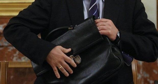 В Госдуме предложили обязать госслужащих отчитываться о расходах ещё три года после отставки