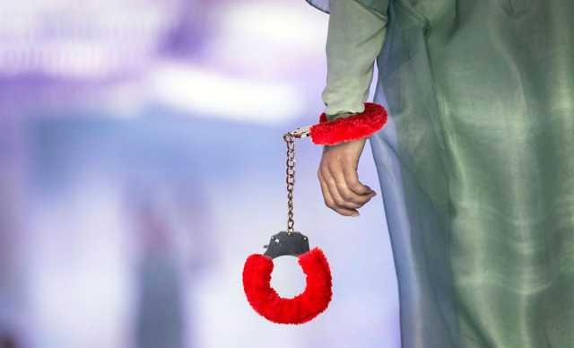 Без чеков и возврата: как работает бутик белья «дочери Кадырова»