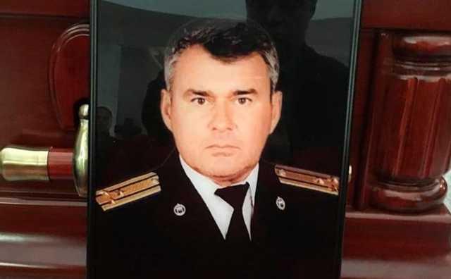На похороны сотрудника ФСО Гриднева пришел бывший генпрокурор России Владимир Устинов