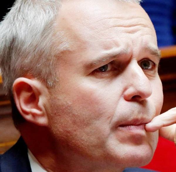 Стало стыдно из-за лобстеров - французский министр ушел в отставку