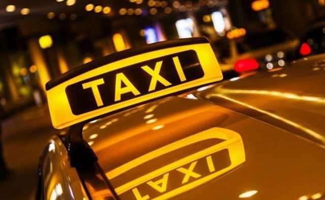 В Петербурге таксист изнасиловал пассажирку и украл у неё телефон
