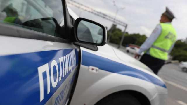 В Петербурге сотрудники ГИБДД догоняли иномарку бегом