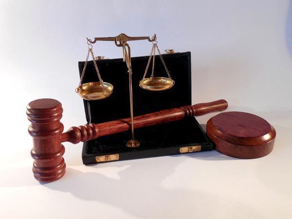 Киевский судья пожаловался на вмешательство кандидата в нардепы