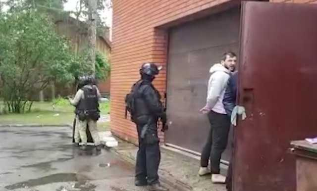 В Ростовской области задержали банду вооруженных вымогателей