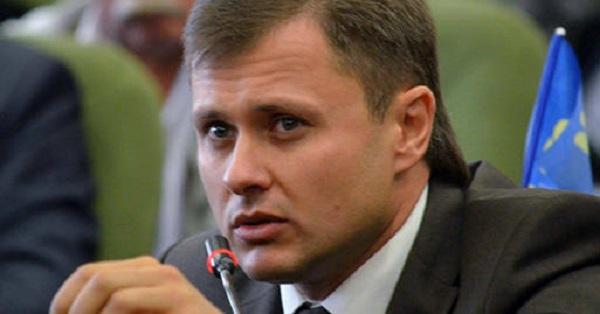 Одиозный депутат  Киевоблсовета Ярослав Добрянский заработал на элитную недвижимость и автопарк