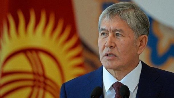 В Кыргызстане силовики арестовали здание телеканала, принадлежащего экс-президенту Атамбаеву