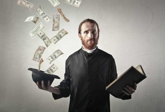 Лжесвященник украл у бизнесмена 3 млн рублей