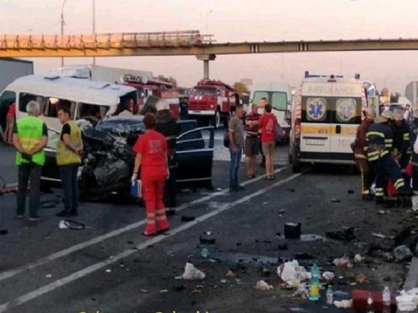 В сети появилось видео момента жуткой автокатастрофы в Глевахе под Киевом