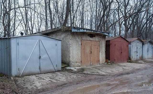 В гараже на севере Москвы нашли мумию мужчины в чехле для сноуборда