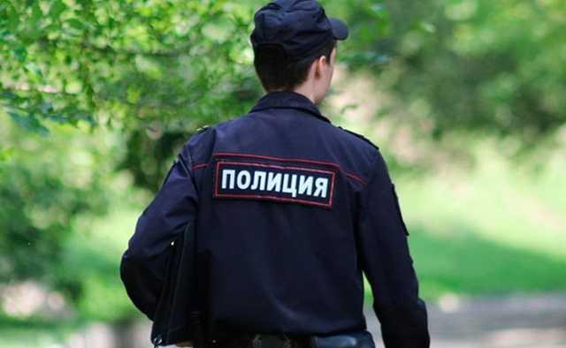 Житель Перми потребовал денег у соседа-полицейского, узнав о его профессии