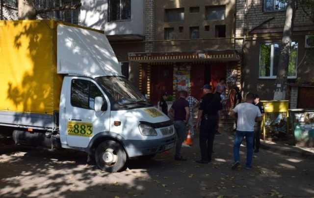 Занял место на парковке: в Николаеве в упор расстреляли водителя такси