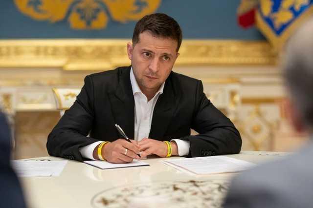 Зеленский предложил Раде свои кандидатуры министров