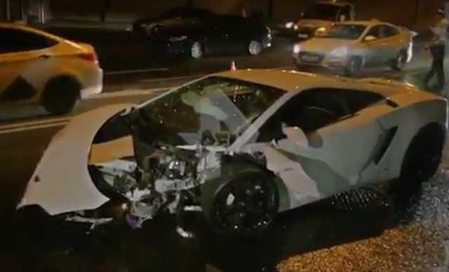 В Москве водитель на чужой Lamborghini врезался в BMW. Момент аварии попал на видео