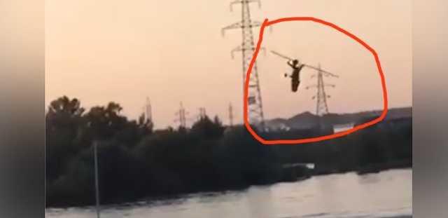 В реку Клязьму рухнул автожир, зацепив провода высоковольтки