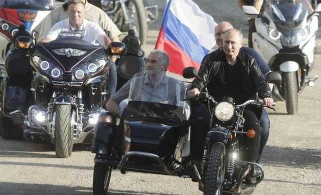 Глава Крыма объяснил детям, почему ездил с Путиным без шлемов