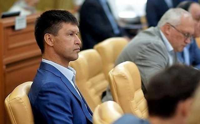 Признавшийся в убийствах «ключевских» братков единоросс снова стал депутатом