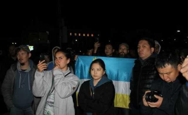 Задержания сторонников «изгоняющего» Путина шамана привели к митингу в Улан-Удэ