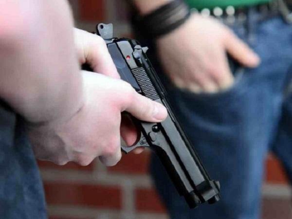В Ровенской области обстреляли дом и авто чиновника: детали и фото с места происшествия