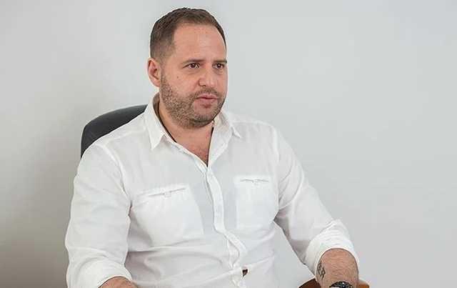 Это не наша игра: СМИ узнали, какое сообщение советник Зеленского передал адвокату Трампа