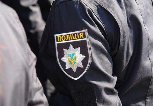 Жители села на Волыни устроили массовую драку с полицейскими, есть раненные