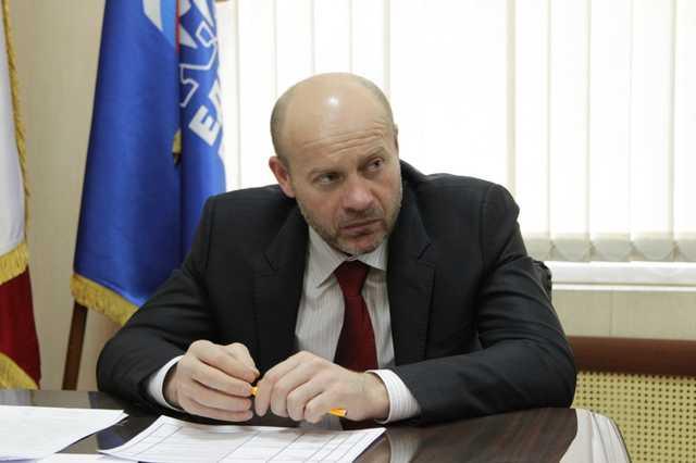 Особенный депутат Госдумы Олег Колесников - ему дозволено угрожать судьям и вертеть Фемидой?