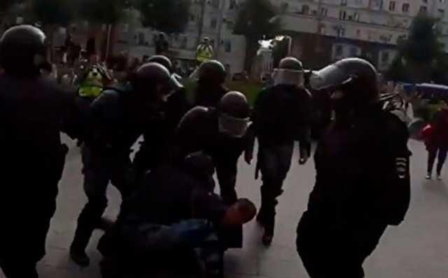 Известные актеры выступили в поддержку осужденного за травму омоновца Павла Устинова