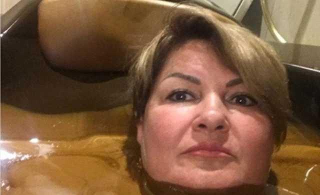 Губернатор Ульяновской области поручил уволить чиновницу после селфи в «шоколадной ванне»