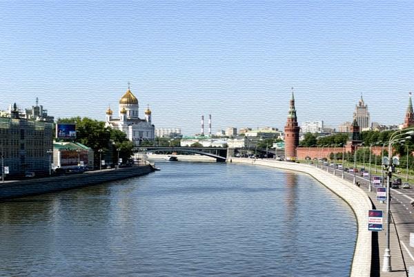 В центре Москвы бетономешалка упала в реку
