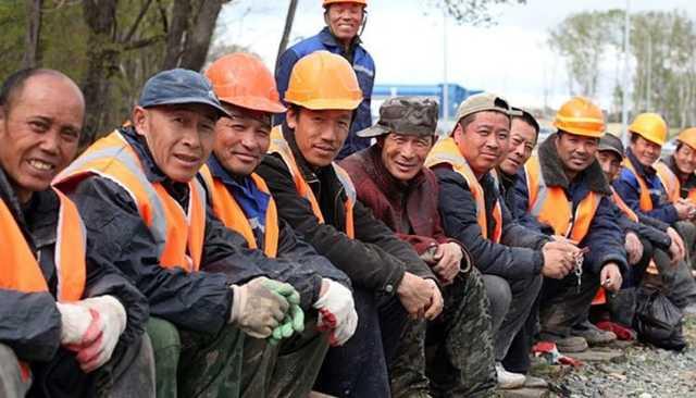 Все больше россиян считают, что власти должны ограничить приток трудовых мигрантов