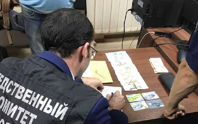 В Ялте глава отдела МВД вместе с подчинёнными организовал канал нелегальной миграции
