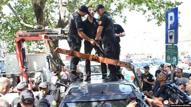 В Черногории арестовали лидеров пророссийской партии