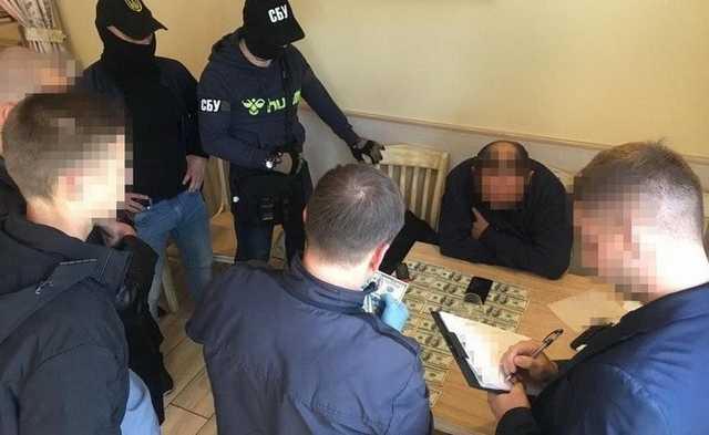 """В Днепре орудовали вымогатели, представлявшиеся """"ворами в законе"""" и сотрудниками СБУ"""