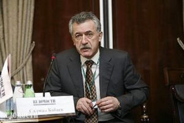 Салман Бабаев и Алексей Тайчер запутались в схемах Белозерова и Ротенберга