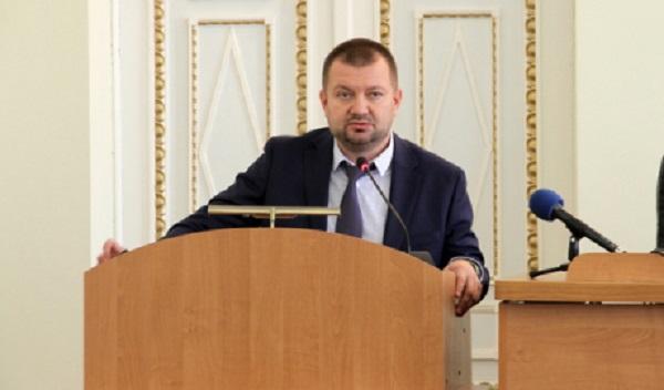 Жена нового прокурора Харьковщины уволилась в первый день работы супруга