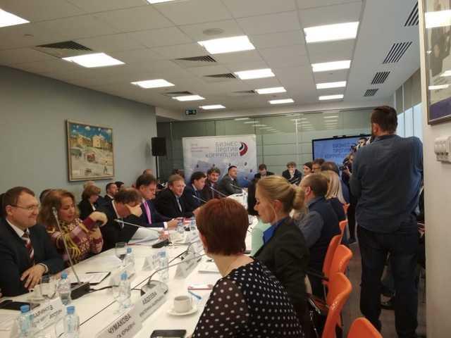 Фейковое признание: Титова просят отказаться от защиты строителей Сколково