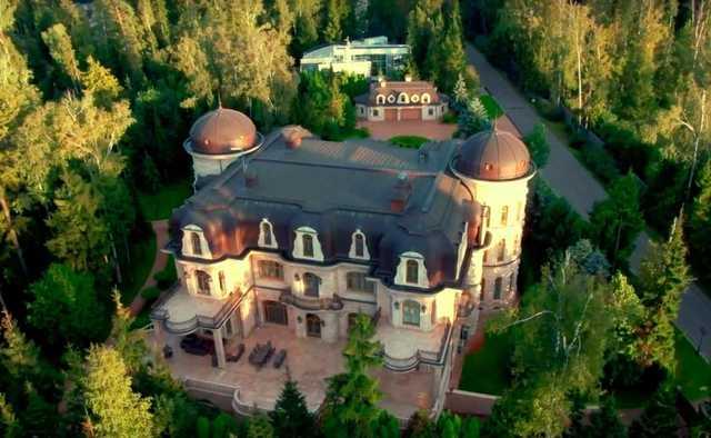 У сына бывшего председателя Мосгордумы Ильи Платонова нашли в два раза больше недвижимости
