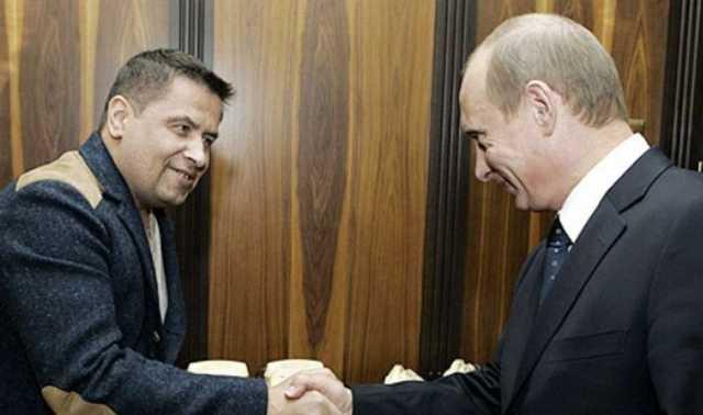 Расторгуев рассказал, как пытался вручить Путину 100 долларов