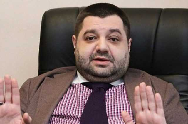 Соратник Порошенко Александр Грановский предлагает журналистам 50 тысяч долларов за молчание, - журналист