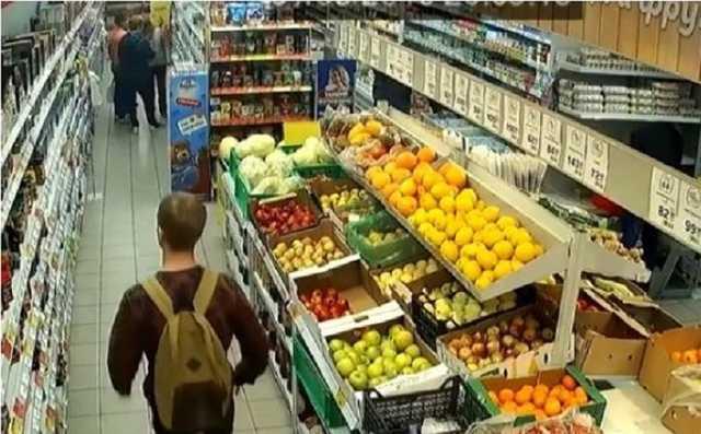 В Кузбассе мать с помощью малолетнего сына воровала продукты для мужа-зэка