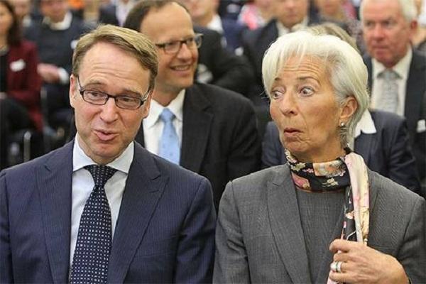 Запрет Бундесбанку участвовать в программе по количественному смягчению отправит евро в пике