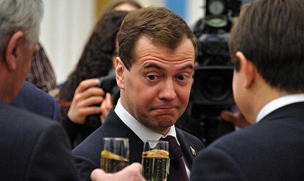 Винодельня Михалкова поставила в Россию больше вина, чем «друг Медведева»