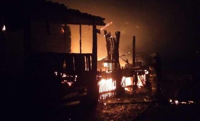 Двое детей и женщина погибли при пожаре в Башкирии