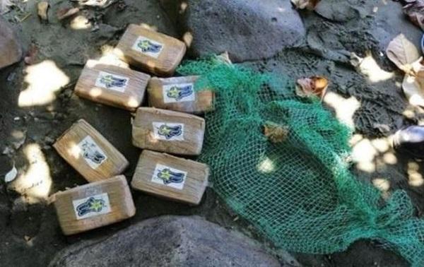 На побережье Франции выбросило более 150 килограммов кокаина