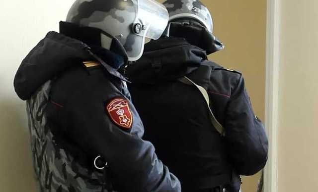 Оперативники ФСБ задержали в Москве троих сотрудников вневедомственной охраны